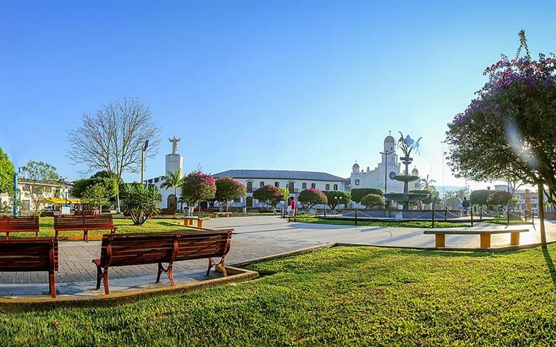 moyobamba-plaza-de-armas