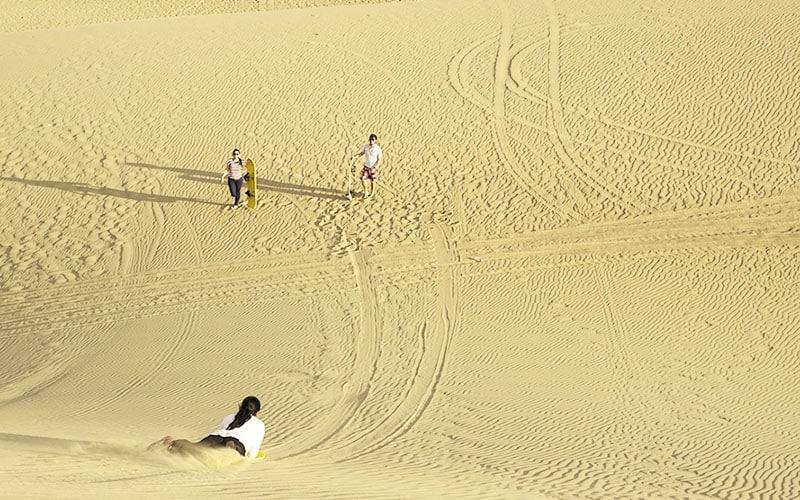 sandboarding-tour-huacachina